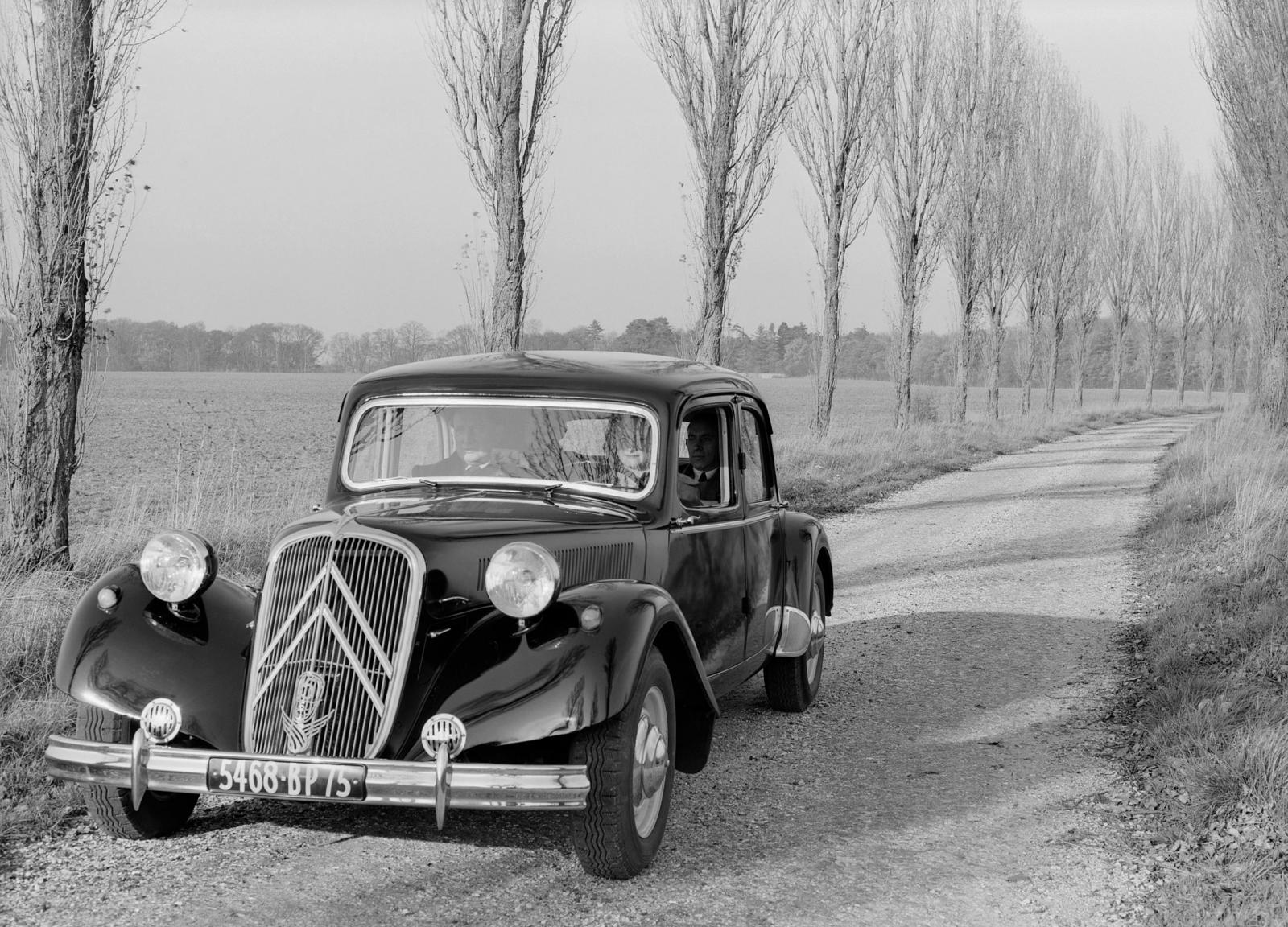 1952. a Traction 15 SIX