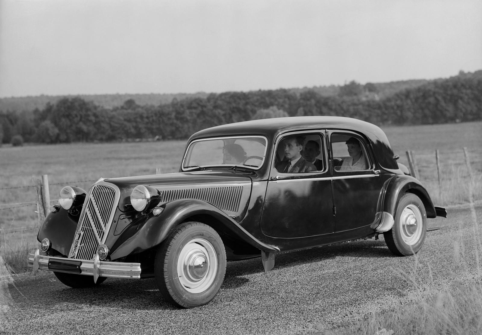 1953. a Traction 15 SIX D